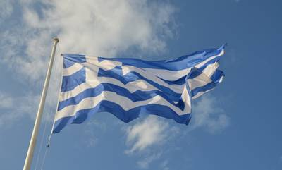 Αλλοδαποί στα Φιλιατρά επιχείρησαν να κατεβάσουν την Ελληνική σημαία